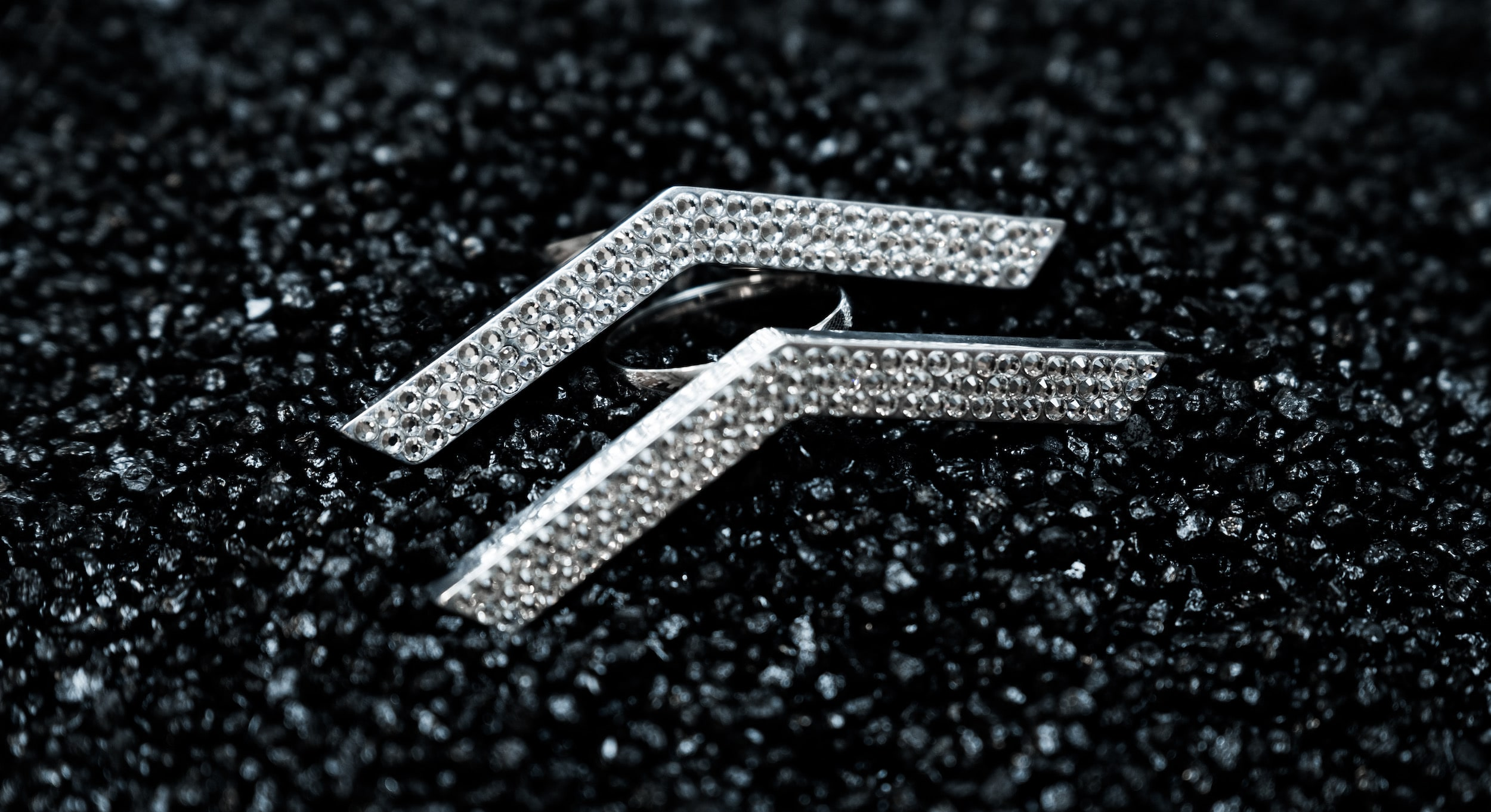 ICED OUT V-EMBLEM RING